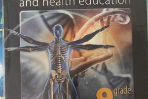 Снимка номер 1 за Учебници по биология на английски първа и втора част.