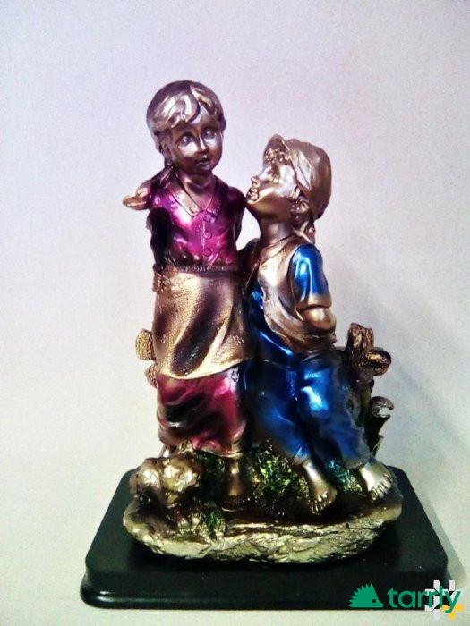 Снимка номер 1 за статуетка-деца на пейка