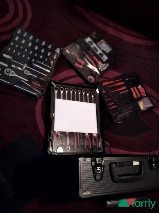 Снимка номер 1 за Продавам голям куфар с технически инструменти