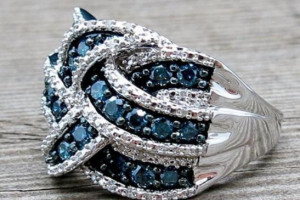 Снимка номер 1 за Сребърен пръстен със сапфири