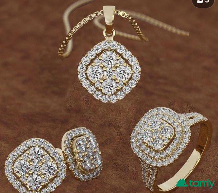 Снимка номер 1 за Ексклузивен комплект 18 К злато и диаманти