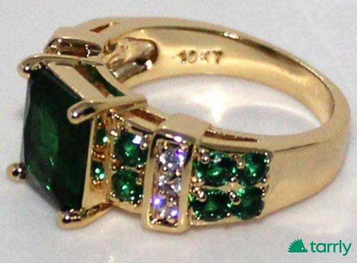 Снимка номер 1 за Искрящ златен пръстен с изумруди