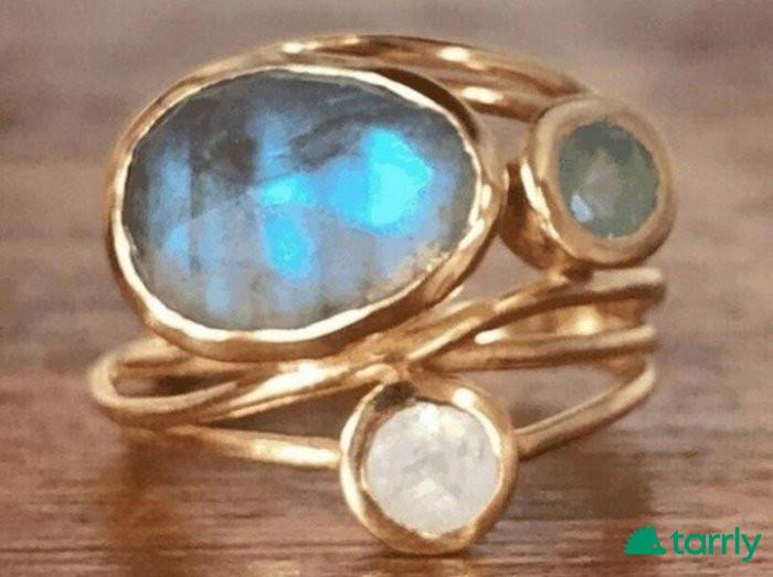 Снимка номер 1 за Дамски пръстен с лабрадорит и лунен камък, нов!