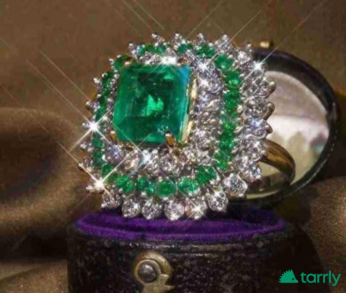 "Снимка номер 1 за Дамски златен пръстен ""Арт Деко"", смарагд и диаманти, нов"